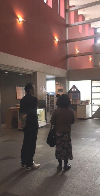 天童市美術館 音楽と花のライブ